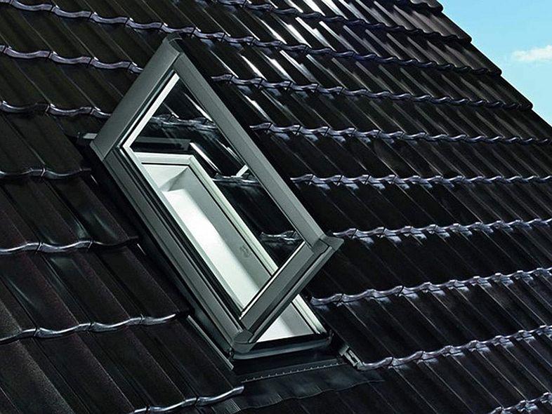 Roto Dachflächenfenster als Dachausstieg Designo R8K Uw0,80 SSK3 Anti-Tau- STLB-Bau Mustervorlage -