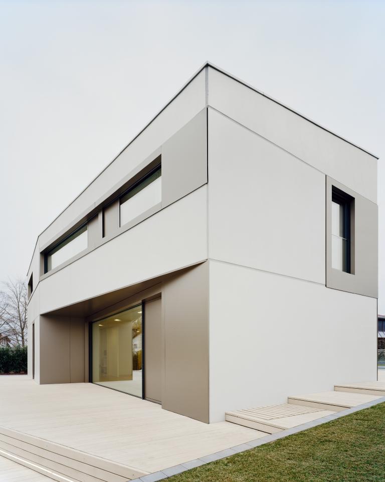 ALUCOBOND® Fassadenbekleidung Aluminiumverbundplatten Plus Schwer Entflammbar- STLB-Bau Mustervorlage -
